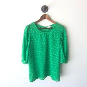 Umgee textured blouse size medium